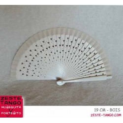 Éventail motif cœurs ajourés. 18,5 cm - ivoire, bois