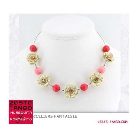Collier câble, Fleurs 3D et perles pierre
