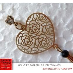 Boucle d'oreille Coeur filigrane. Style rétro, perle facette noire